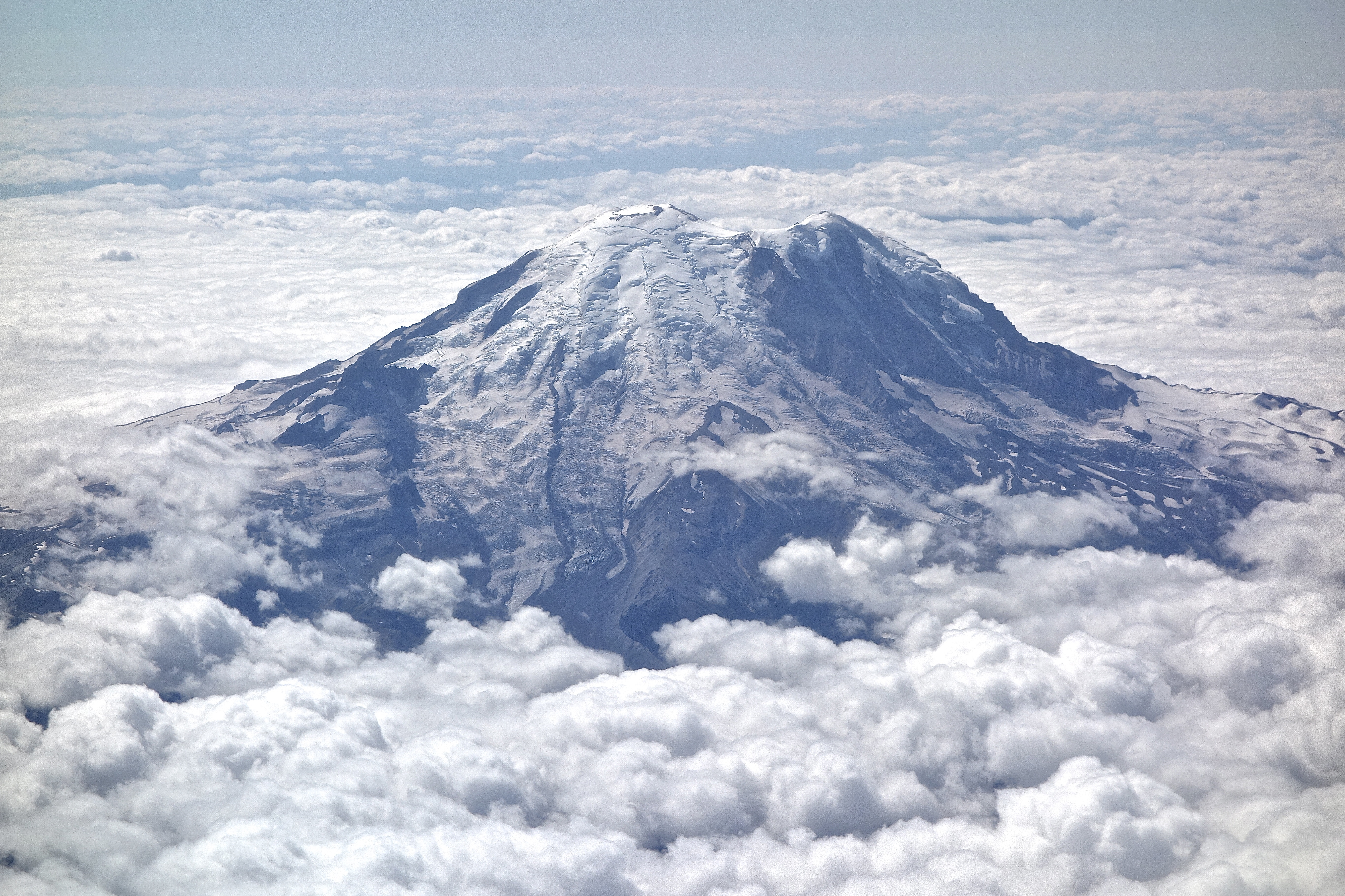 Mount Rainier – Wandering in the Mountains